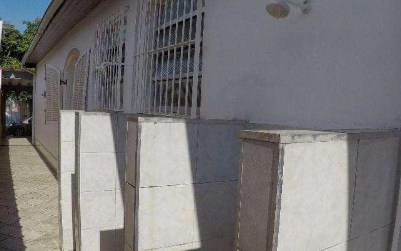 Casa de 03 Dormitórios à venda na Praia Grande
