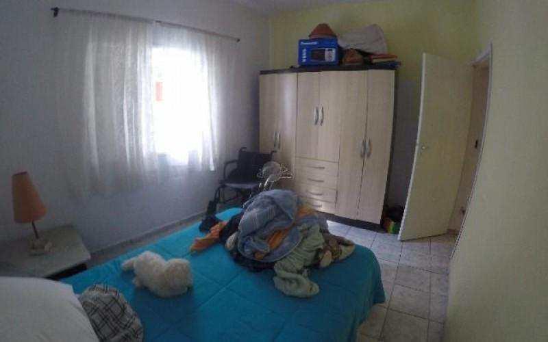 Casa de 03 Dormitórios à Venda na Praia Grande - Bairro Vila Tupi