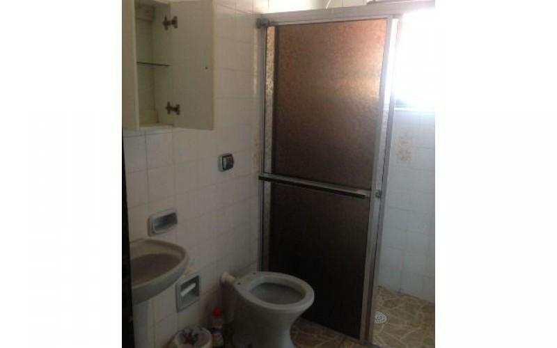 Casa com 3 dormitorios sendo uma suite, piscina