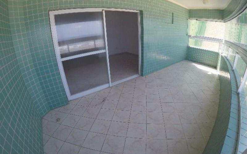 Apartamento de 3 dormitórios de frente ao mar na Guilhermina