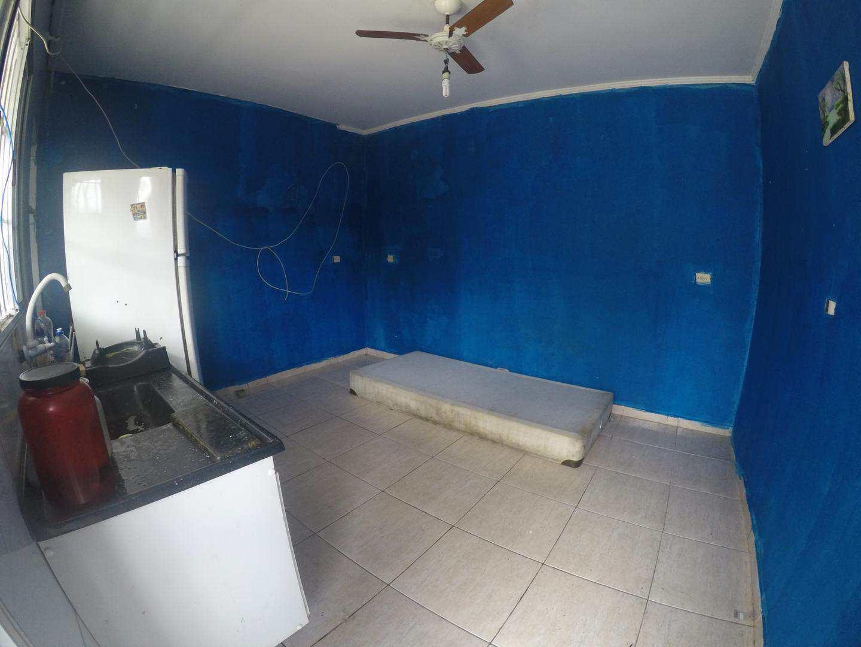 Casa com 4 dorms, Antártica, Praia Grande - R$ 230 mil, Cod: 5094