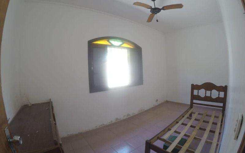 Casa com 2 dorms, Caiçara, Praia Grande.