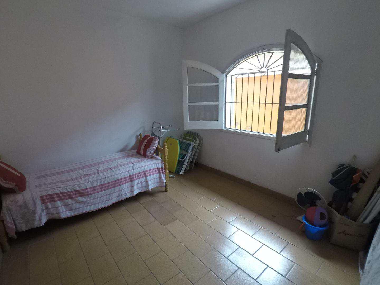 Casa com 2 dorms, Aviação, Praia Grande - R$ 280.000,00, 100m² - Codigo: 4436