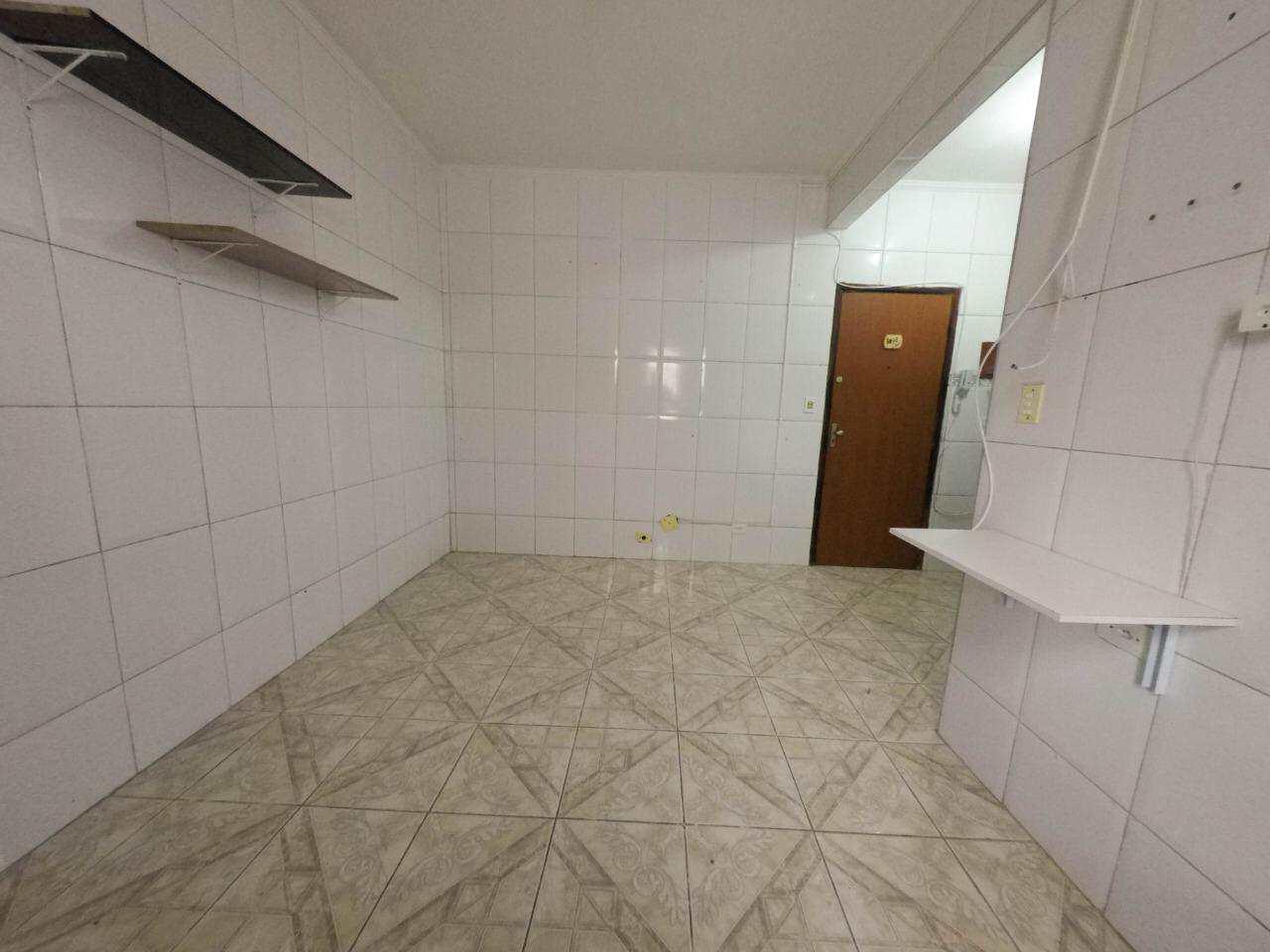 Kitnet com 1 dorm, Ocian, Praia Grande - R$ 75 mil, Cod: 5377