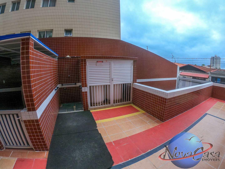 Apartamento com 1 dorm, Maracanã, Praia Grande - R$ 180 mil, Cod: 5391