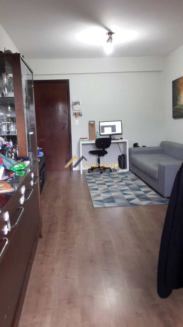 Apartamento com 2 Dorm. e Sacada com Churrasqueira no Boa Vista