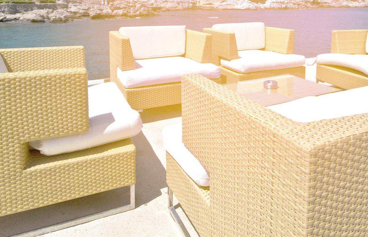 beach bar lounge
