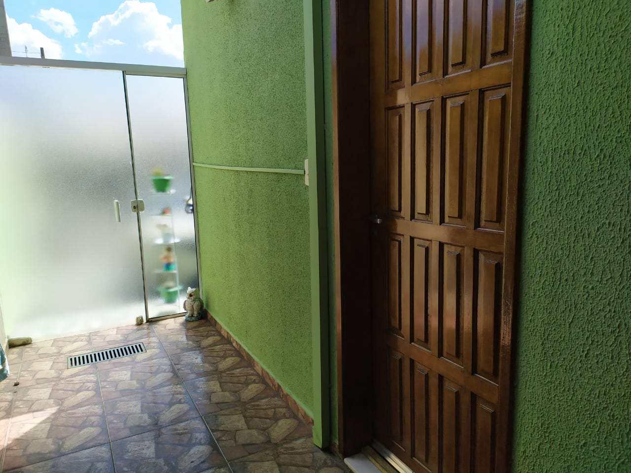 Casa de Condomínio com 3 dorms, Itapema, Guararema - R$ 440 mil, Cod: 4077