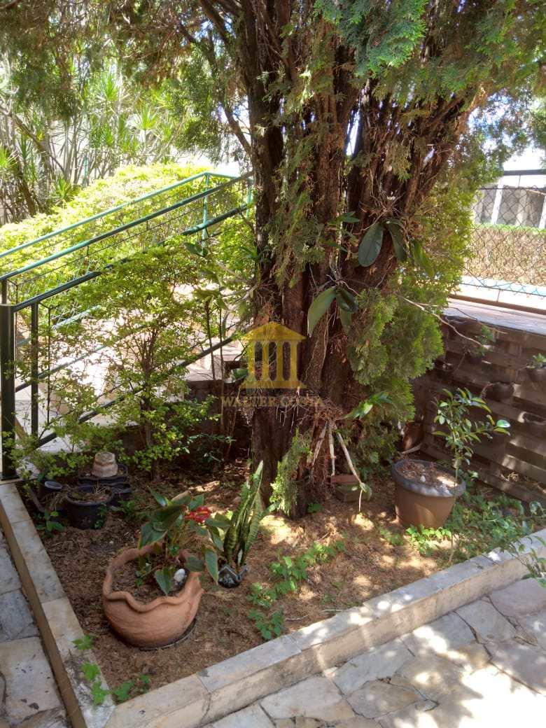 Cantinho Piscina térreo com Jardim...
