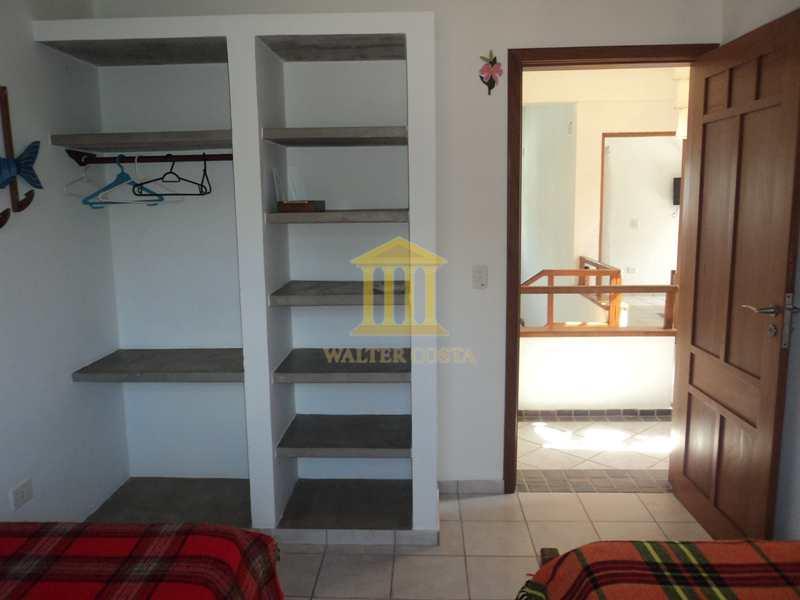 Casa de Praia em Condomínio com 5 Dorms e 6 Vagas de Garagem