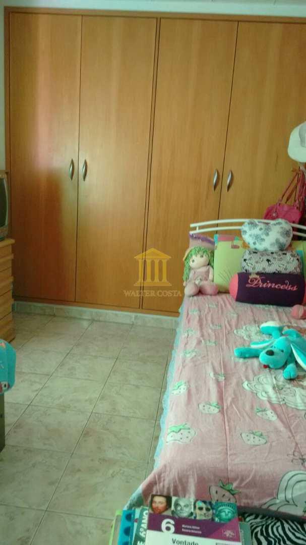 Casa Ampla com 2 dorms em Sumaré