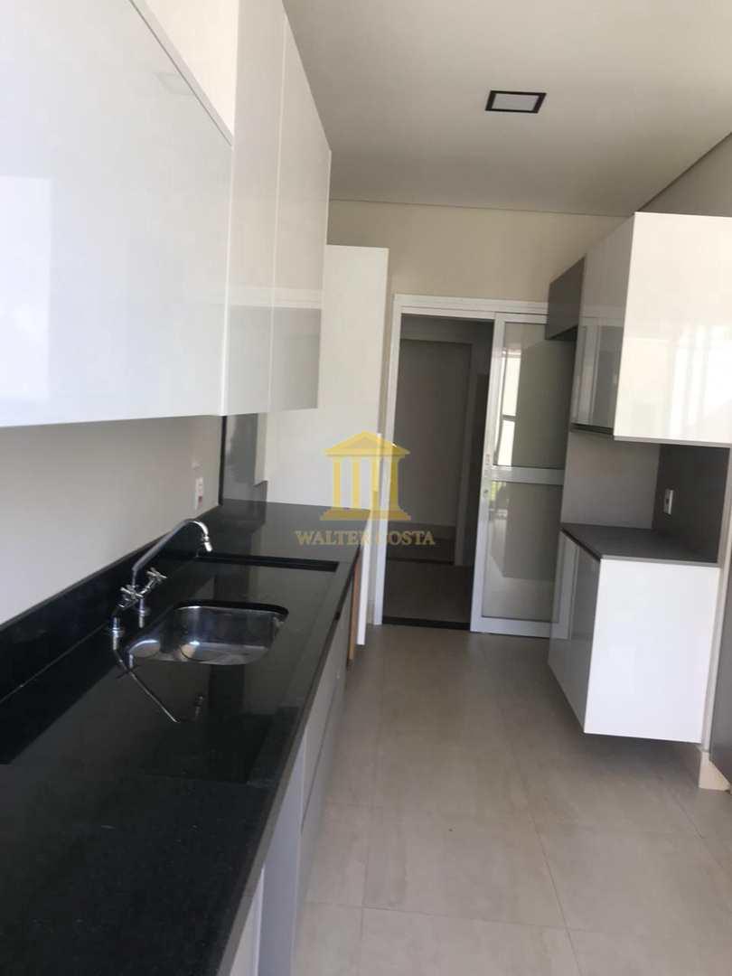 Casa de Condomínio com 3 Suites, Ótima Localização em Paulínia