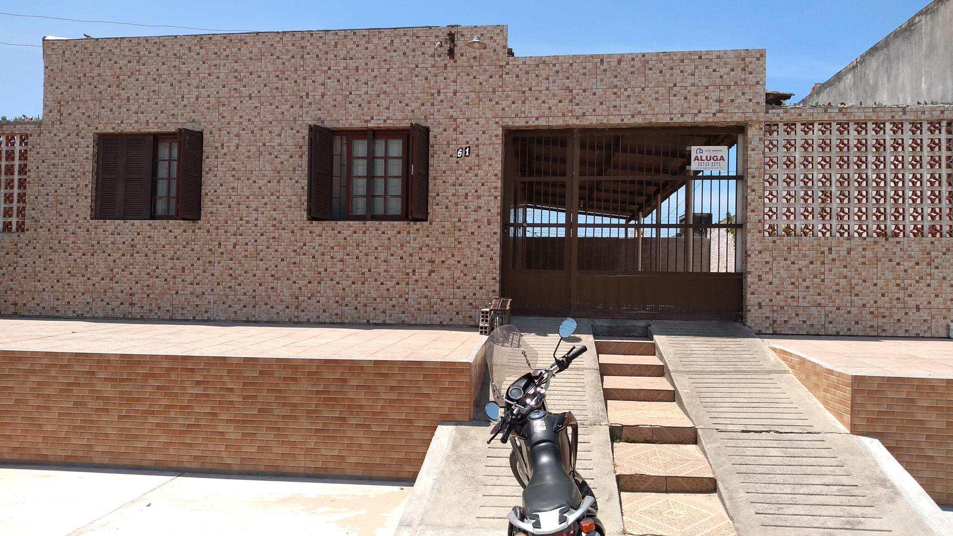 Casa com 2 dorms, Praia do Cassino (3 Quadras do Mar)