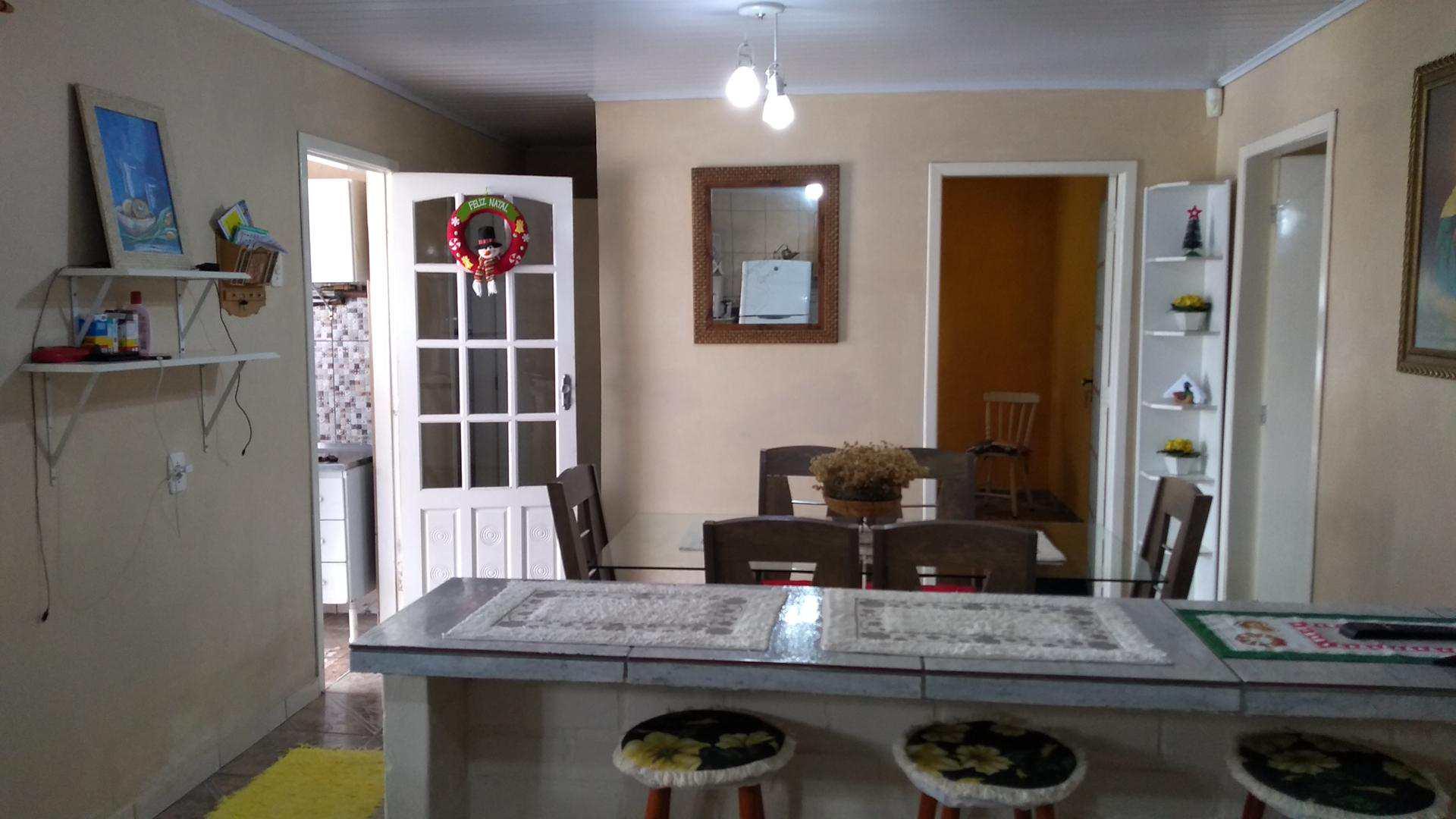 Casa com 4 dorms, Bolaxa, c/ PISCINA.