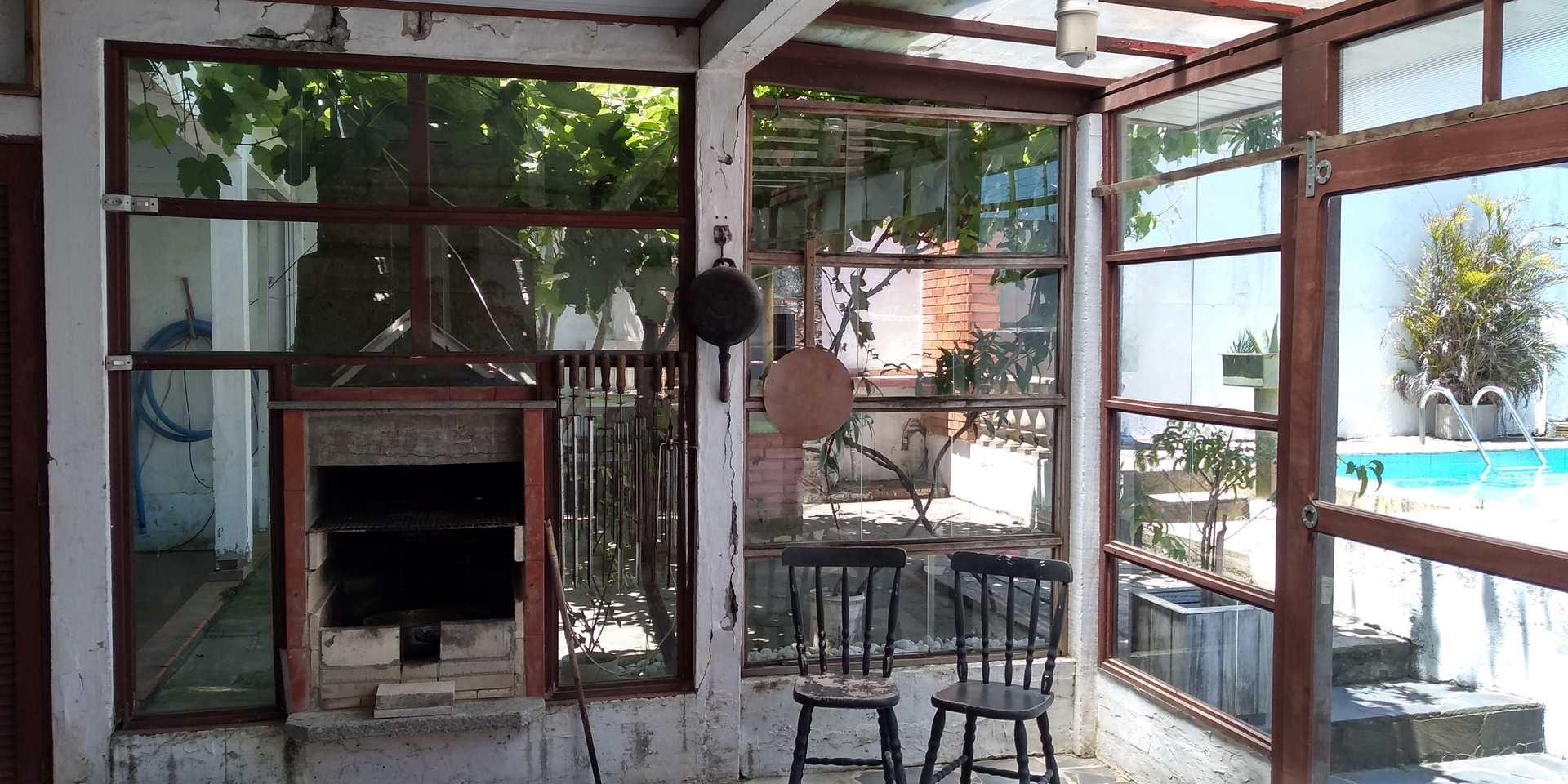 Casa com 3 dorms, Cassino, + com Piscina e Internet