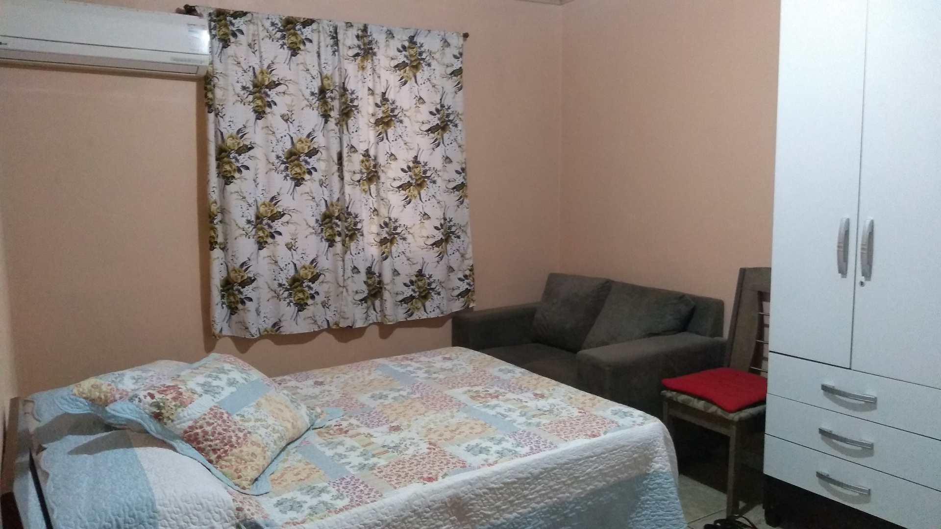 Casa com 3 dorms, Piscina, Tv a Cabo, Cassino.