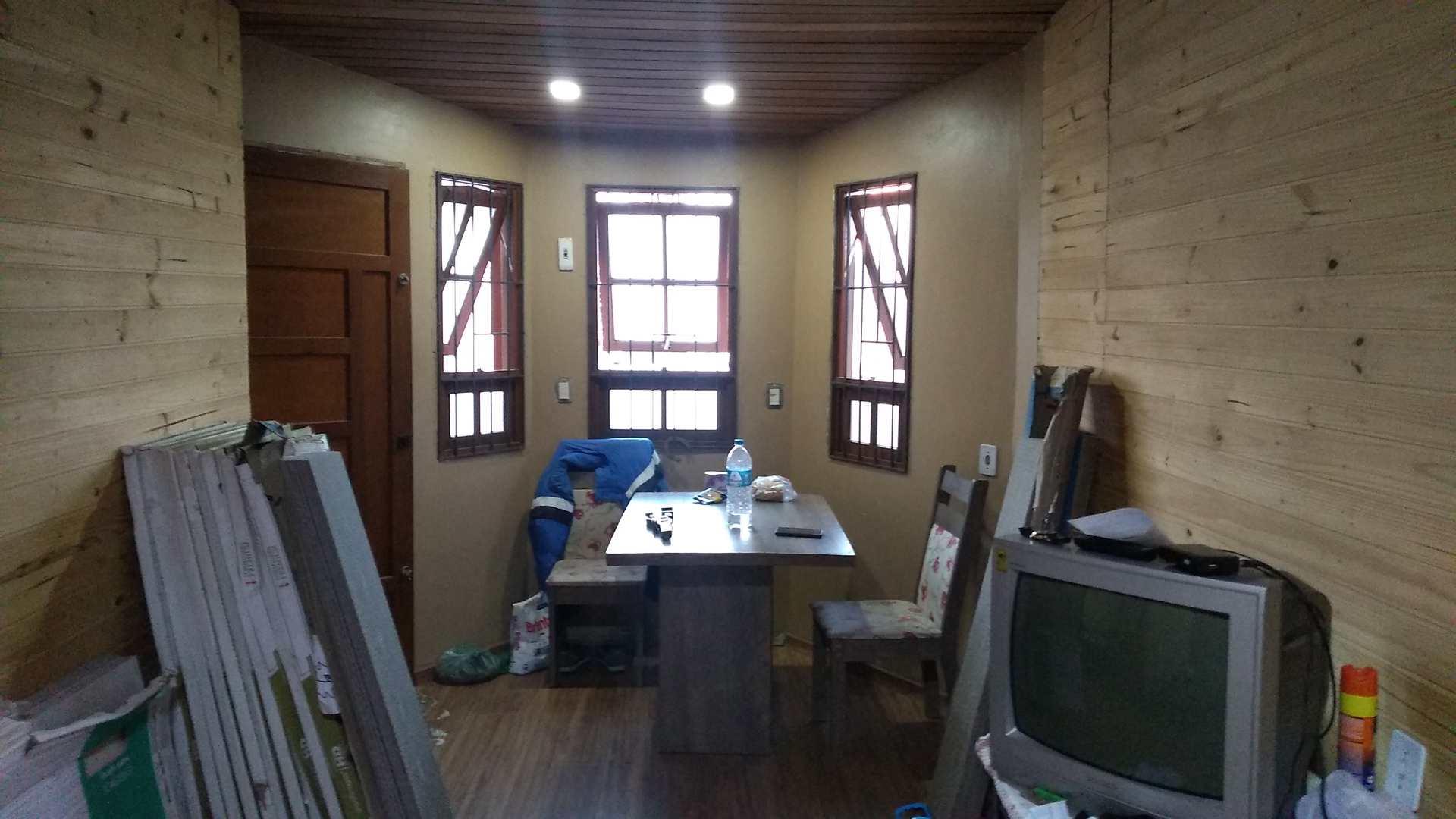 Casa com 2 dorms, Fragata, Pelotas - R$ 250 mil