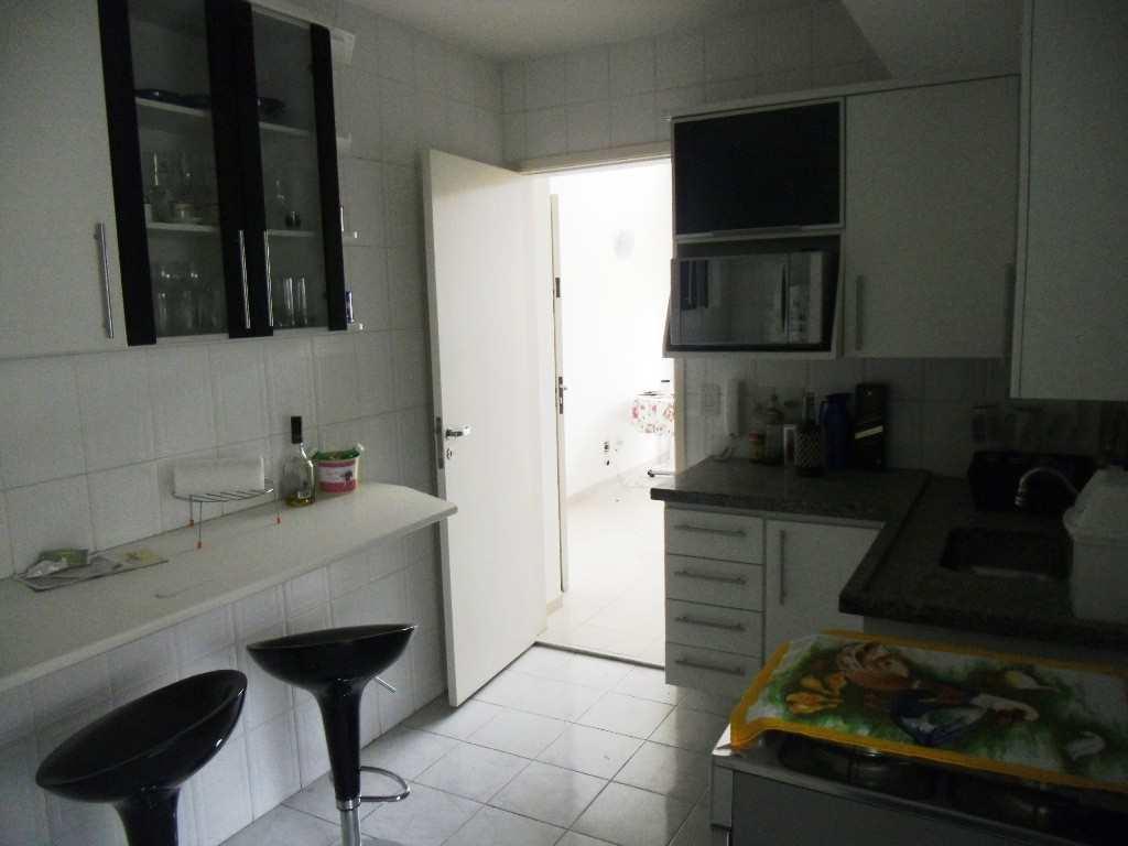Balcão para pequenas refeições na cozinha