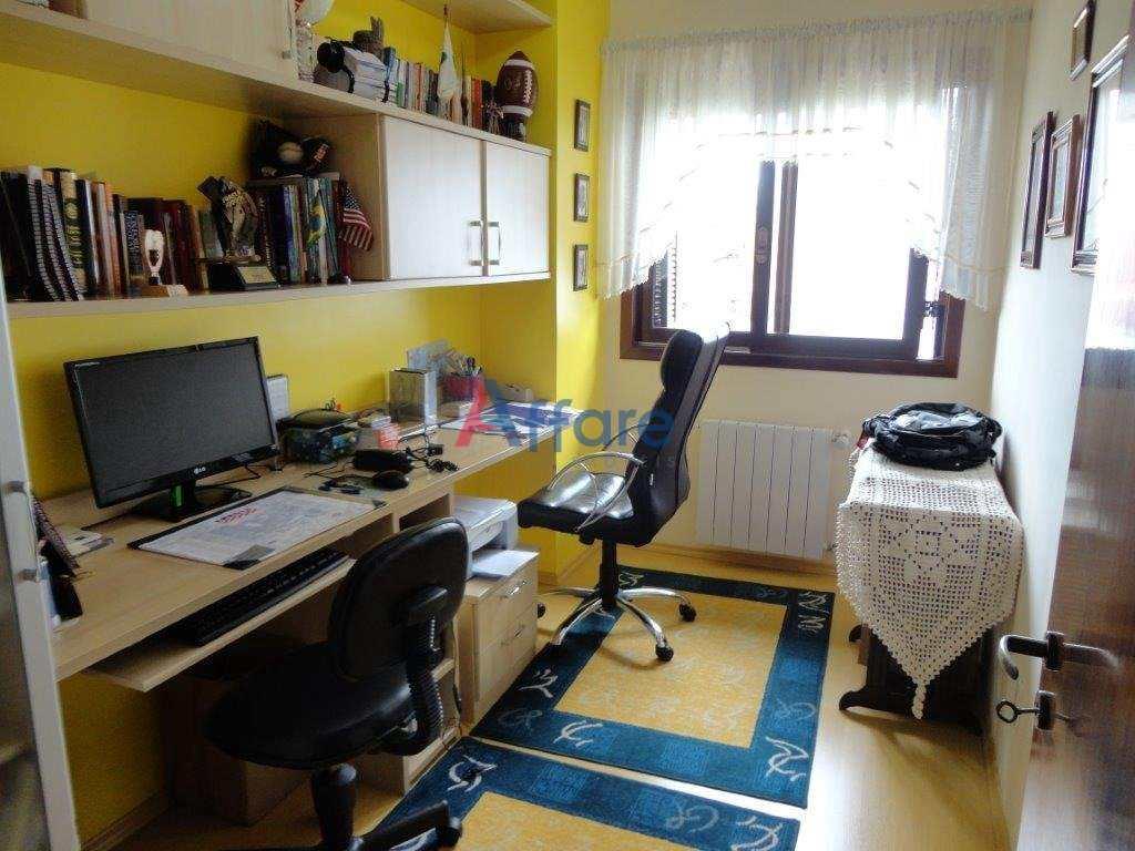 Casa 3 Dorms. - 2 Suites com Closet e Hidro - Cinquentenário
