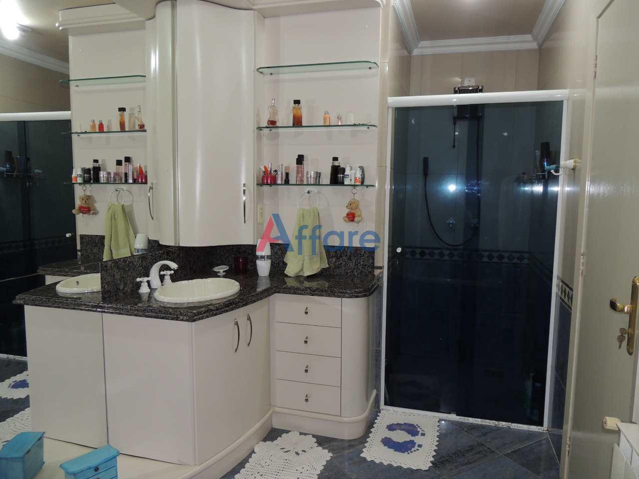 Casa com 3 dorms, Planalto, Caxias do Sul - R$ 990 mil, Cod: 1132