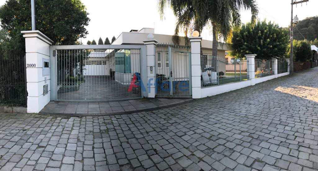 Casa Mobiliada - 3 Dorms - São Luiz