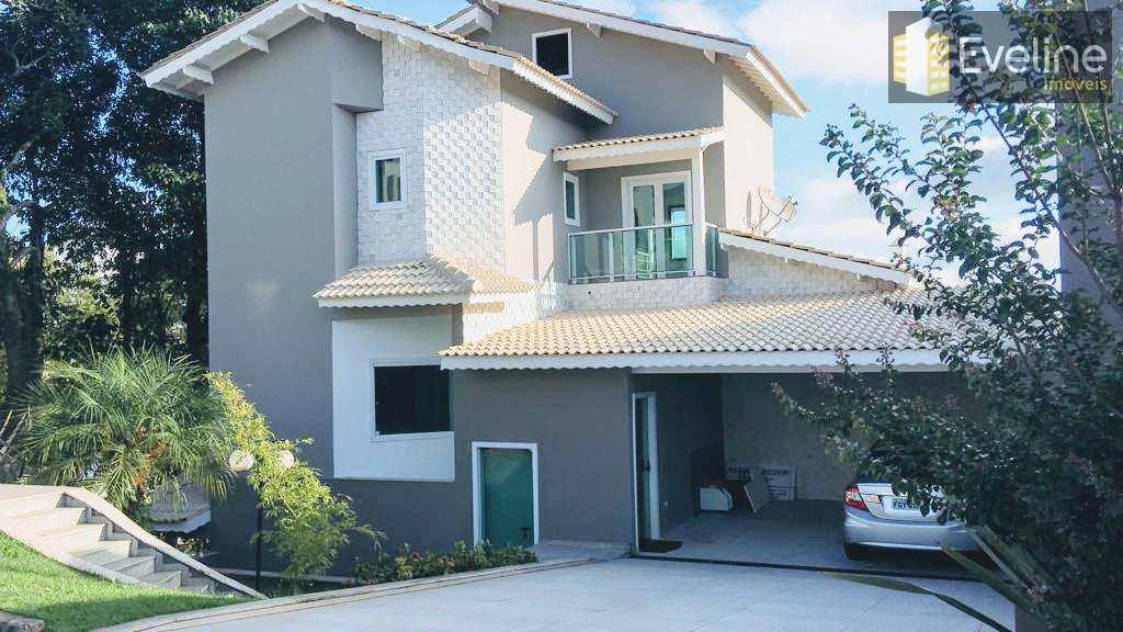 Venda - Casa Condomínio Arujá 5 - 4 Dormitórios Suítes