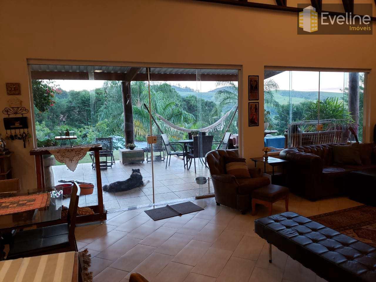 Chácara com 4 dorms, Centro, Guararema - R$ 1.3 mi, Cod: 960