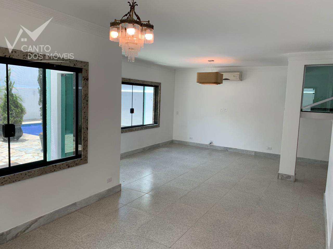 Casa com 5 dorms, Canto do Forte, Praia Grande - R$ 2 mi, Cod: 648