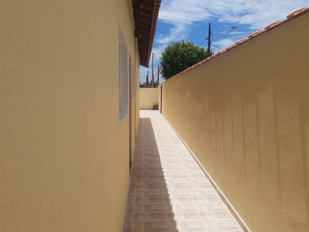 Casa com 2 dorms, Santa Júlia, Itanhaém - R$ 239 mil, Cod: 133