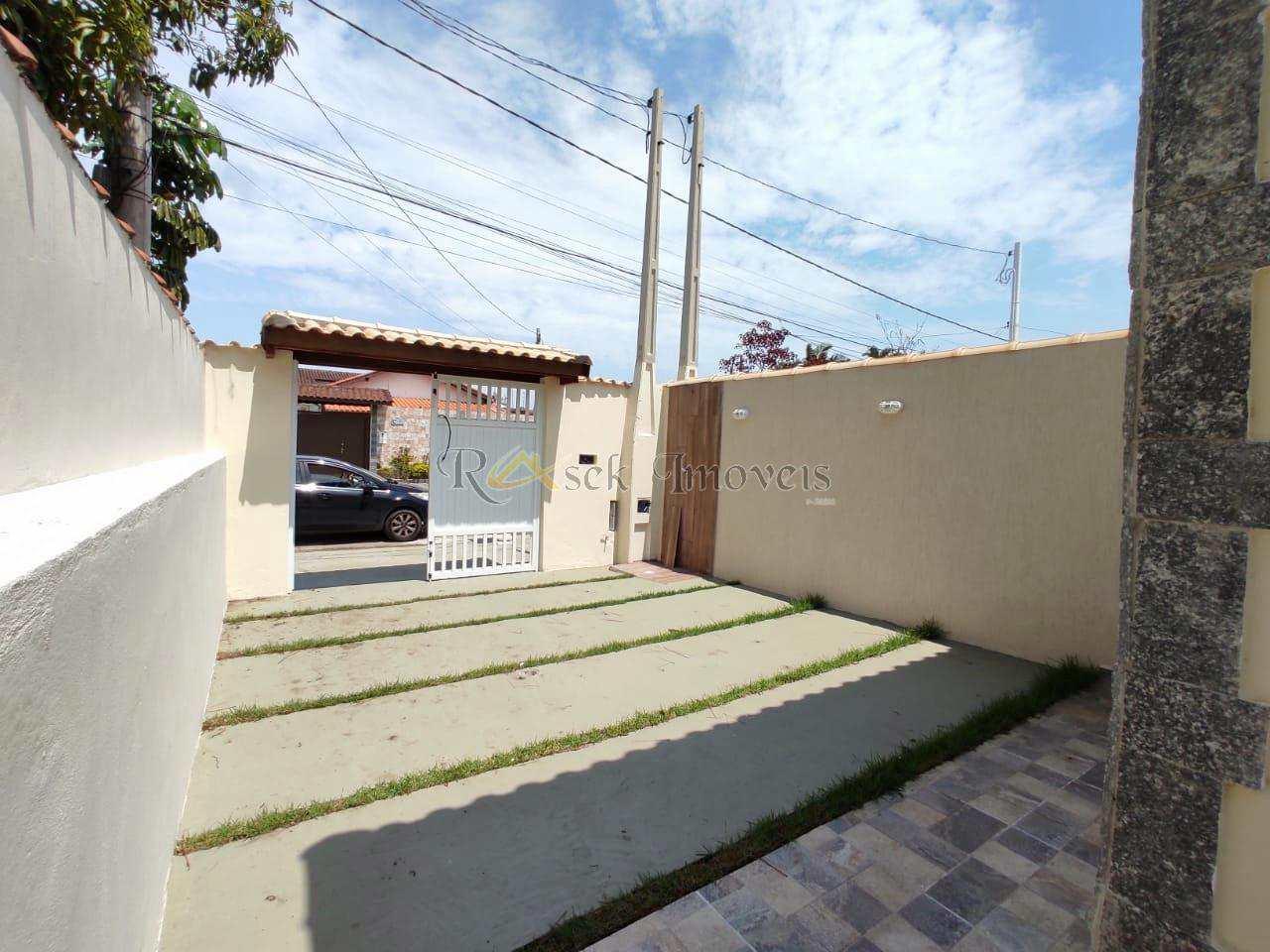Casas Novas Com Piscina e Churrasqueira lado da praia - Cod:219