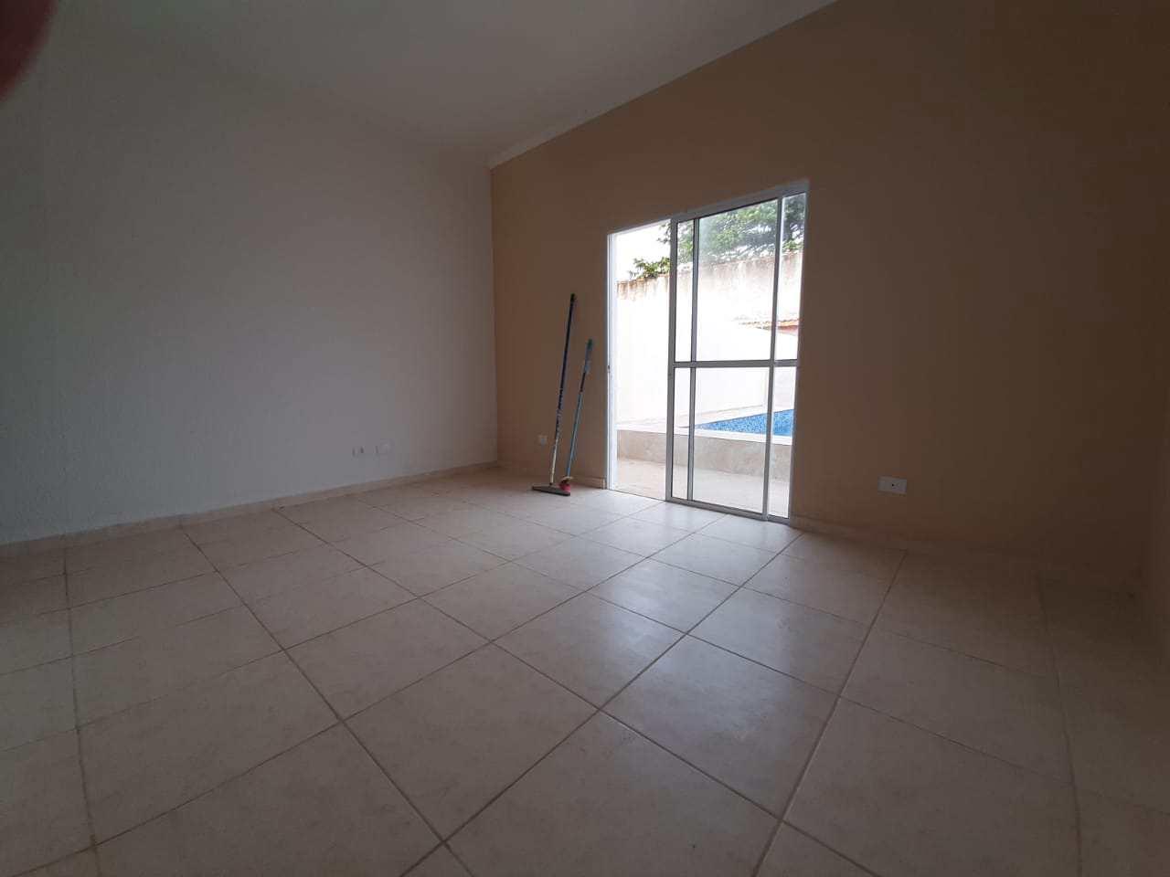 Casas novas, 3 dorm. à 50m da praia em Itanhaém - Cod: 375