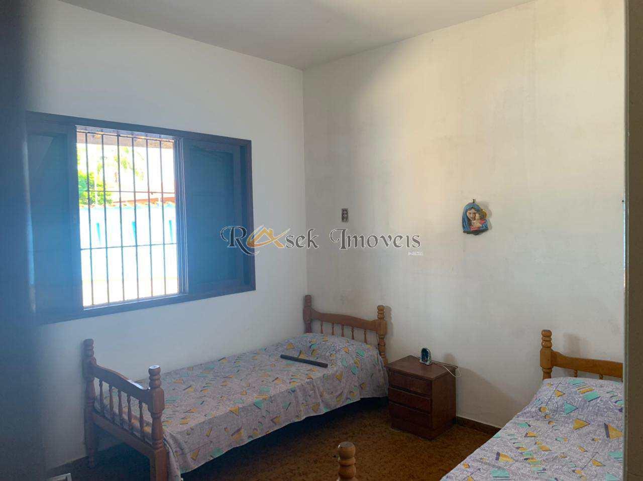 Casa com 4 dorms, Jardim Suarão, Itanhaém - R$ 320 mil, Cod: 475