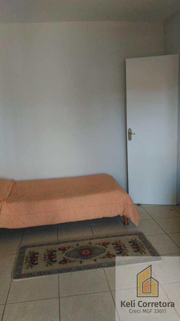Apartamento com 3 dorms, Centro, Santa Rita do Sapucaí - R$ 350 mil, Cod: 174