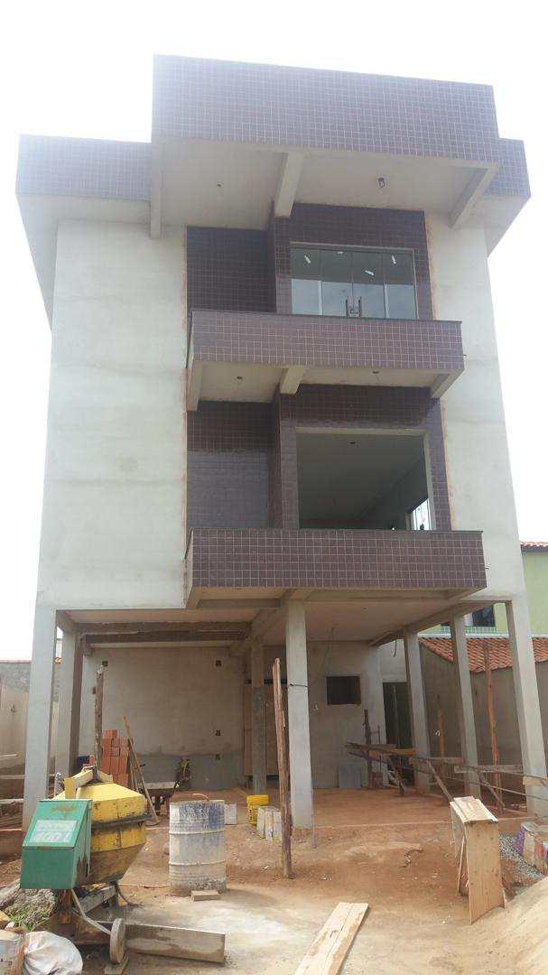 Apartamento com 2 dorms, Família Andrade, Santa Rita do Sapucaí - R$ 220 mil, Cod: 205