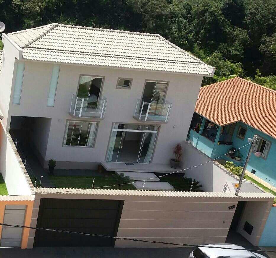 Casa com 3 dorms, Família Andrade, Santa Rita do Sapucaí - R$ 650 mil, Cod: 245