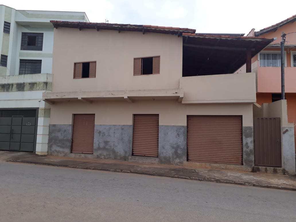 Casa com 3 dorms, Novo Horizonte, Santa Rita do Sapucaí - R$ 310 mi, Cod: 246