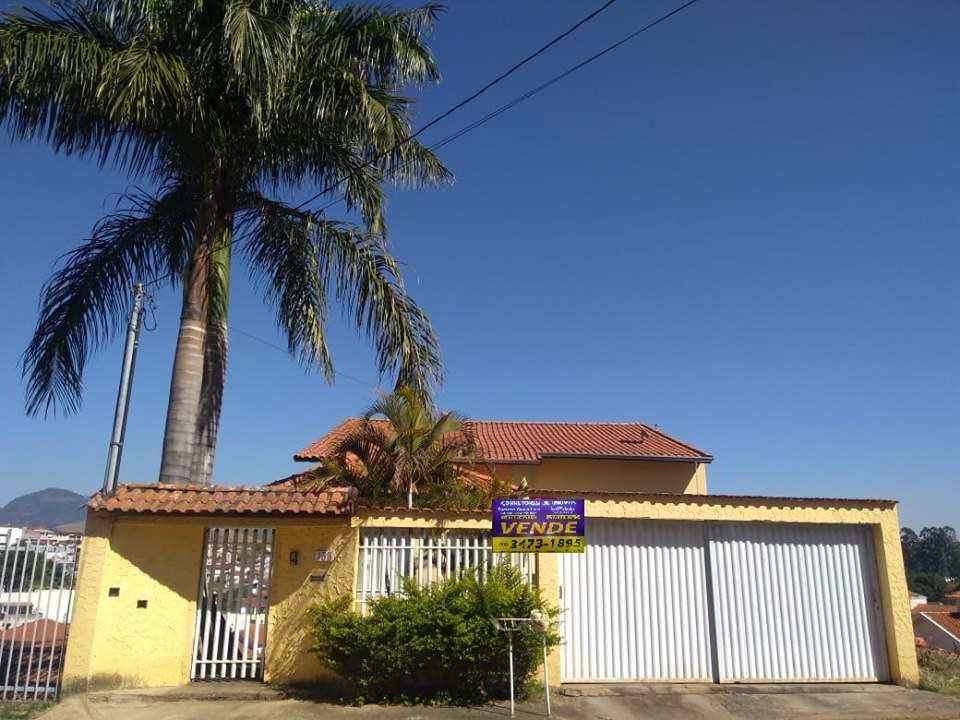 Casa com 3 dorms, Loteamento Santana, Santa Rita do Sapucaí - R$ 700 mi, Cod: 278