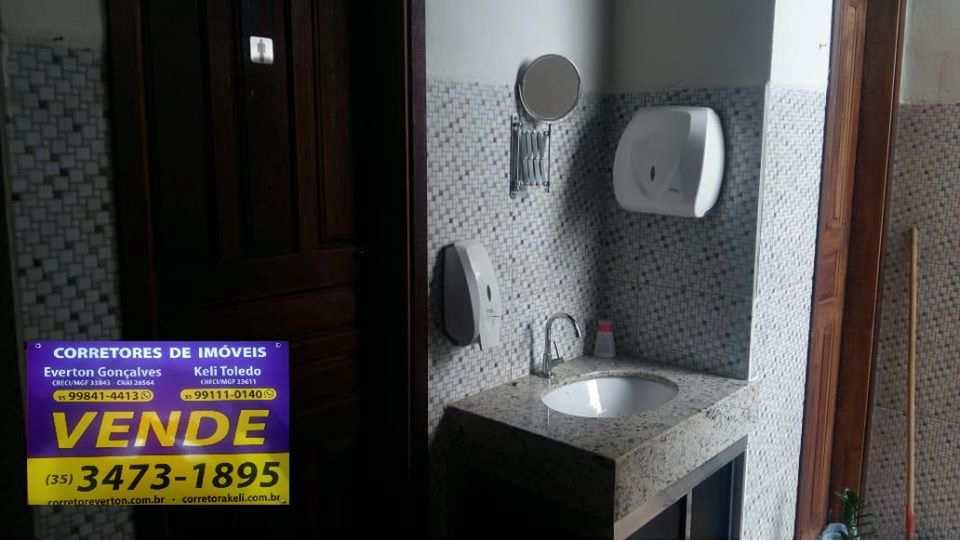 Casa com 3 dorms, Zona Rural, Santa Rita do Sapucaí - R$ 380 mil, Cod: 268