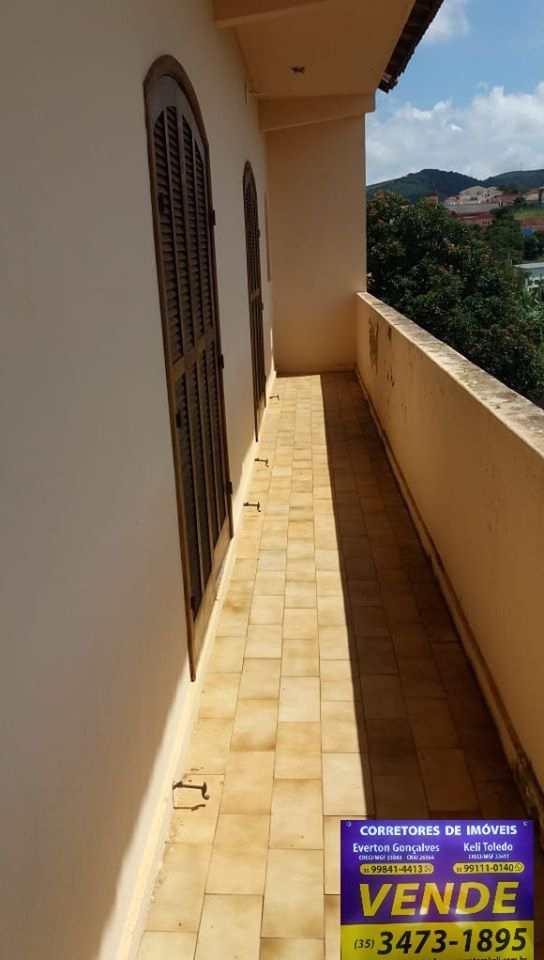 Casa com 2 dorms, Monte Belo, Santa Rita do Sapucaí - R$ 350 mil, Cod: 318