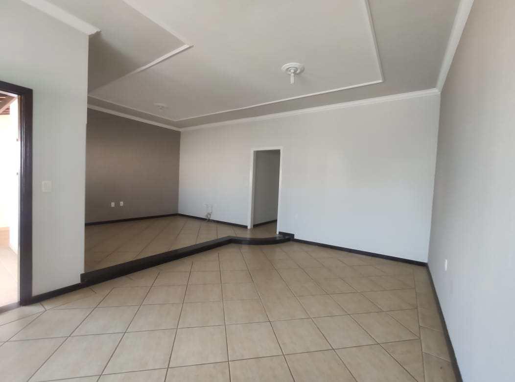 Casa com 3 dorms, BRUNO MATRAGRANO, Santa Rita do Sapucaí - R$ 480 mil, Cod: 13