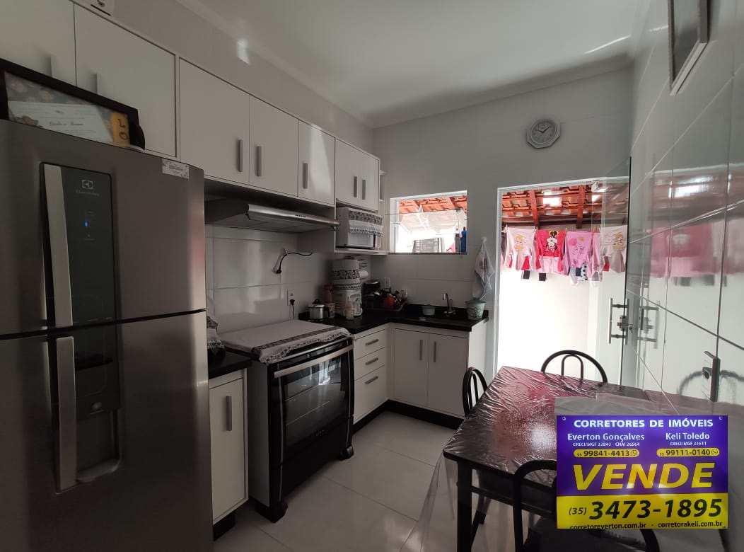 Casa, Santana II, Santa Rita do Sapucaí - R$ 210 mil, Cod: 21