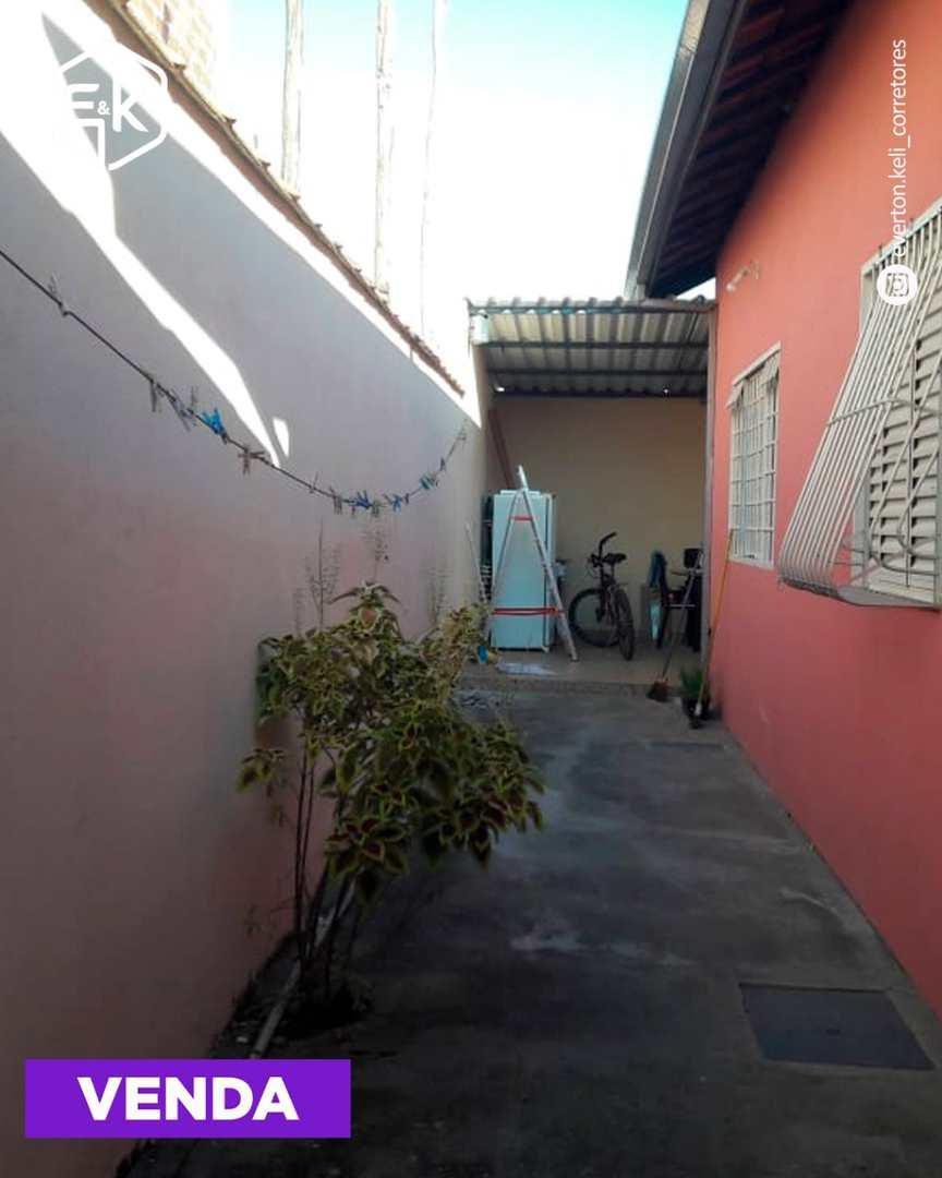 Casa com 3 dorms, Jardim das Palmeiras, Santa Rita do Sapucaí - R$ 350 mil, Cod: 210
