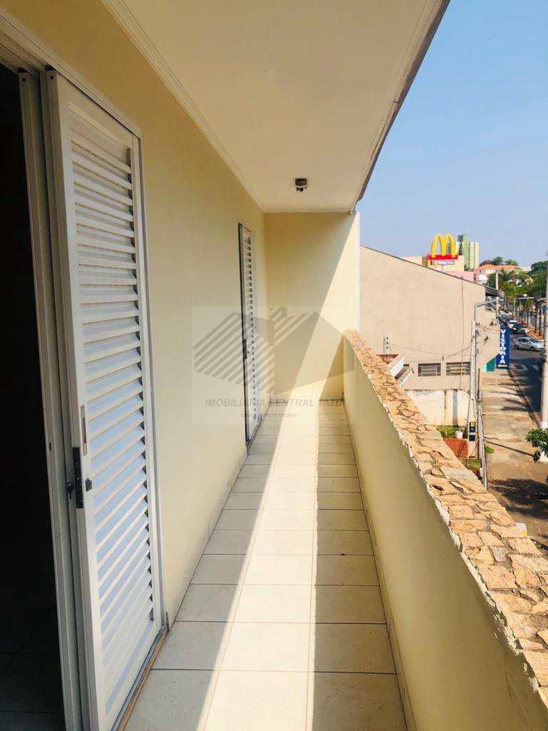Apartamento com 3 dorms, Centro, Tatuí, Cod: 570