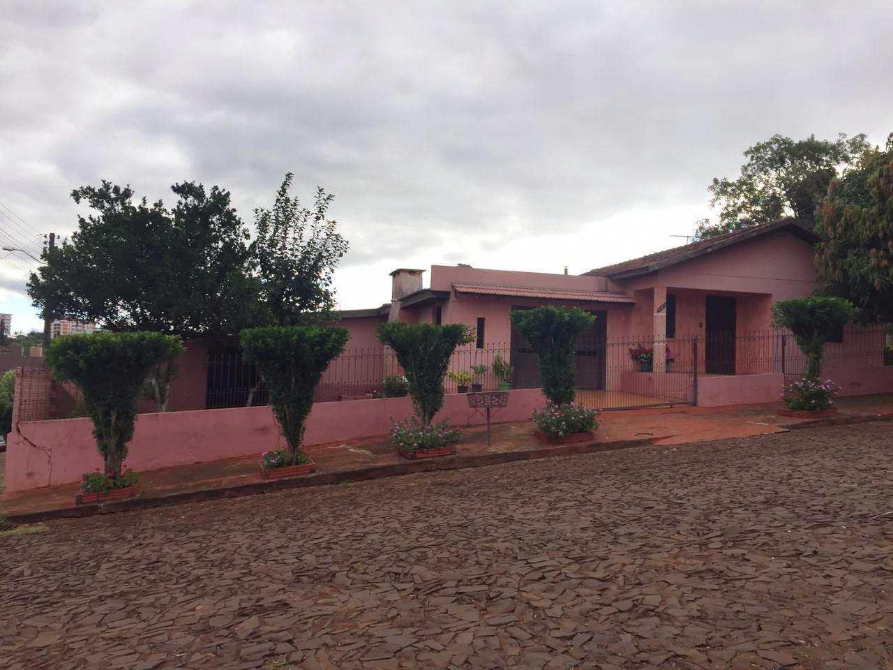 Casa com 3 dorms, Bairro Primavera, Três de Maio - R$ 250 mil, Cod: 121