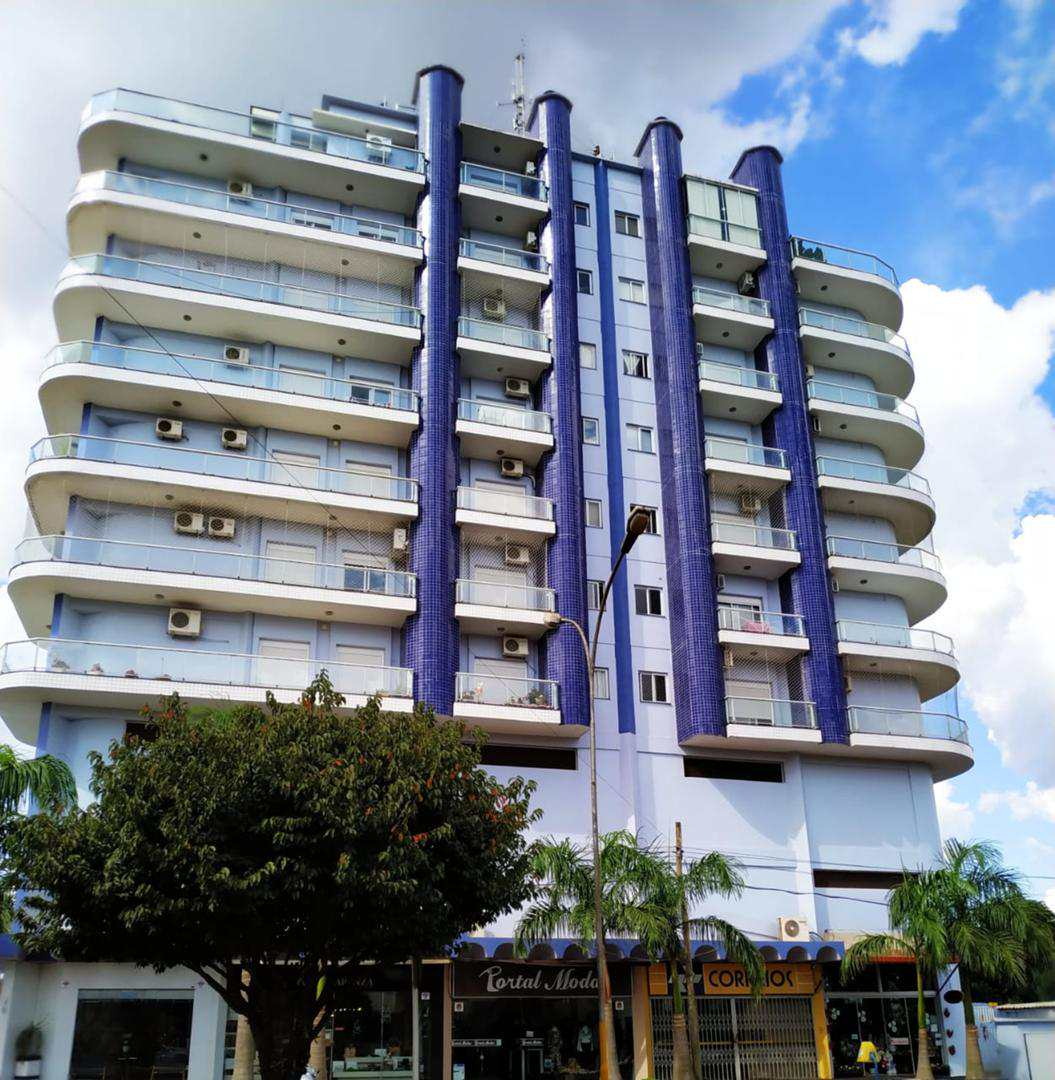 Apartamento com 3 dorms, Centro, Três de Maio - R$ 600 mil, Cod: 123