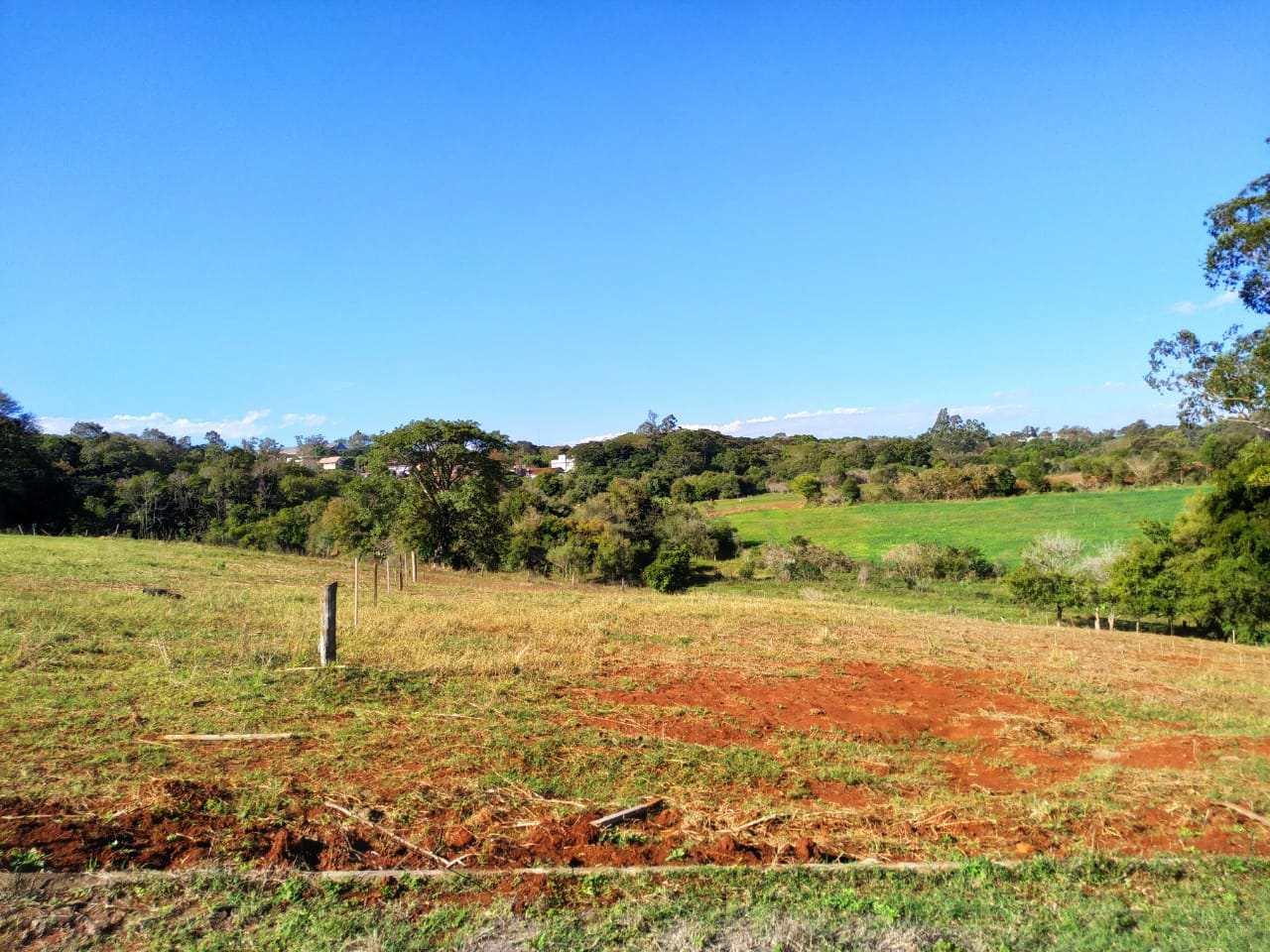 Terreno, Bairro Medianeira, Três de Maio - R$ 135 mil, Cod: 262