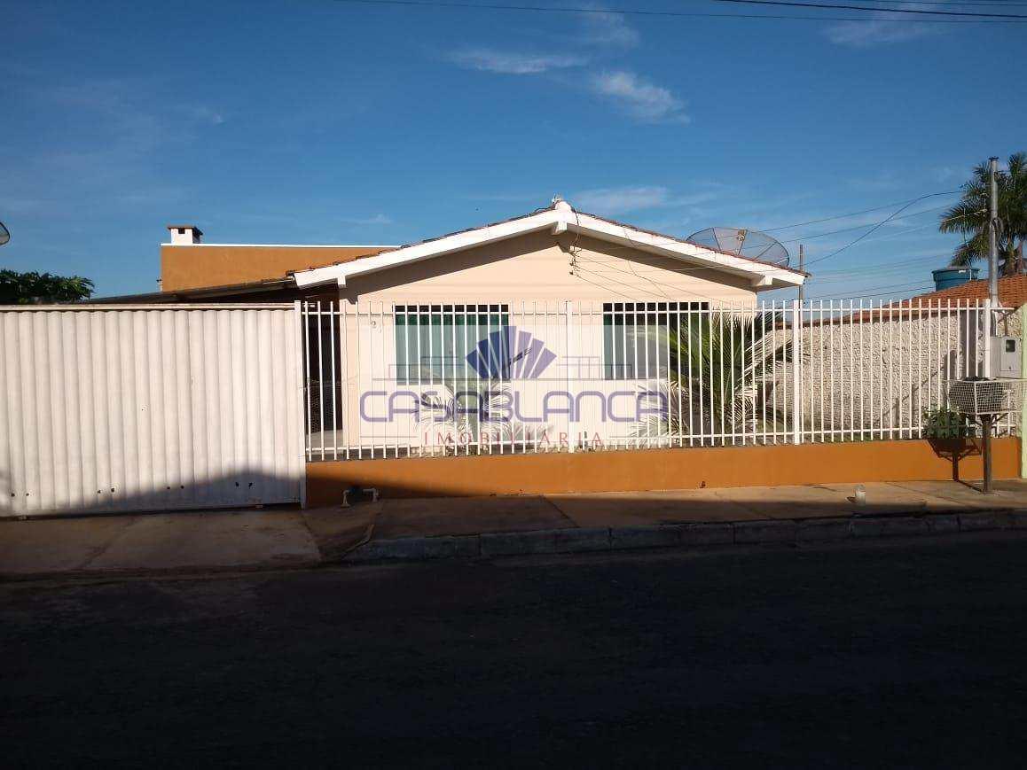 Casa com 3 dorms, Tuiuiu, Primavera do Leste - R$ 320 mil, Cod: 413