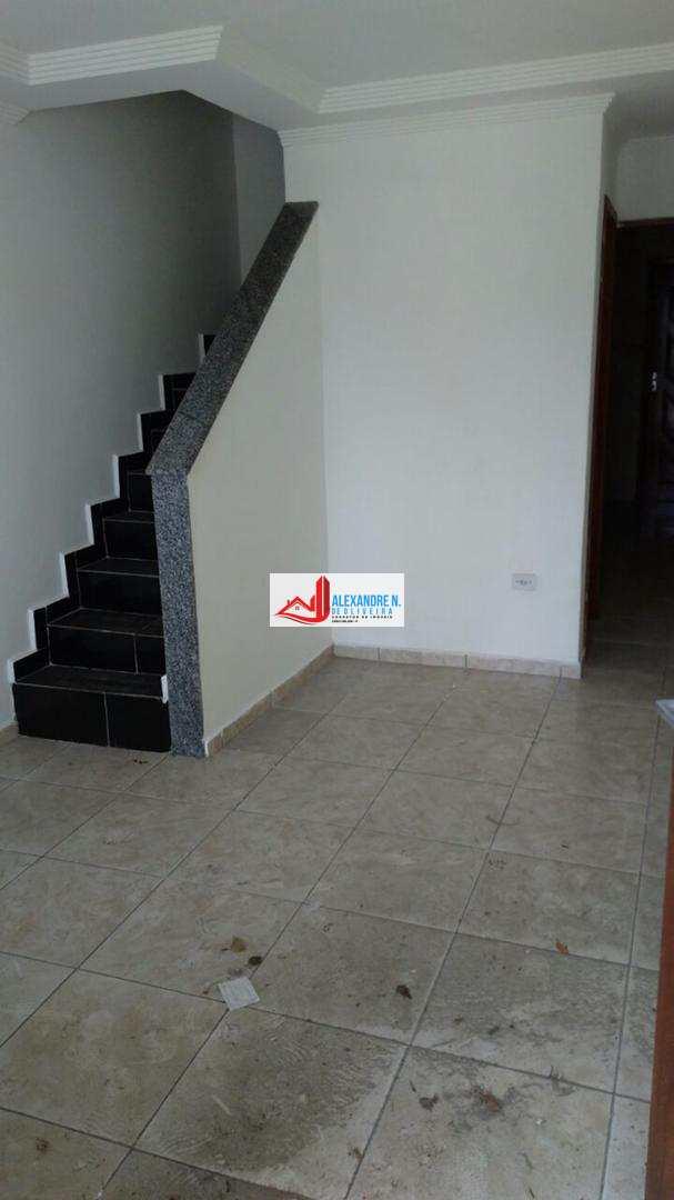 Sobrado 2 dorms, 2 suítes, Praia Grande, R$ 150 mil, SB00004