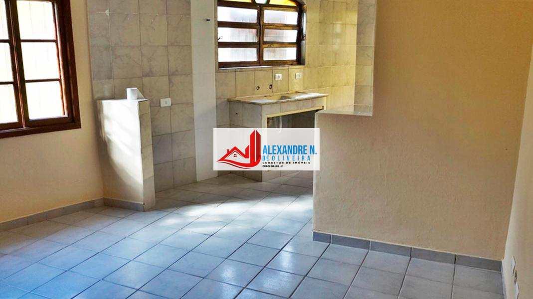 Casa com 1 dorm, Caiçara, Praia Grande - R$ 160 mil, Cod: CA00005