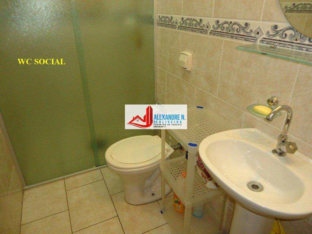 Sobrado 2 dorms, 2 banheiros, Ocian, Praia Grande, SB00002.